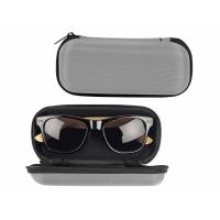 Солнцезащитные очки с бамбуковыми дужками в сером футляре